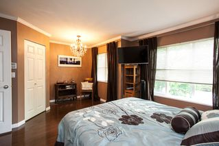 """Photo 14: 61 6465 184A Street in Surrey: Cloverdale BC Townhouse for sale in """"Rosebury Lane"""" (Cloverdale)  : MLS®# R2163634"""