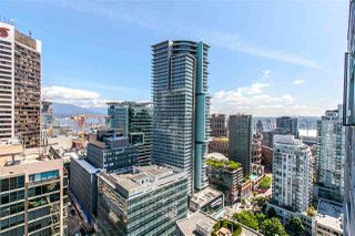"Photo 1: 2702 833 SEYMOUR Street in Vancouver: Downtown VW Condo for sale in ""The Capitol"" (Vancouver West)  : MLS®# R2166614"