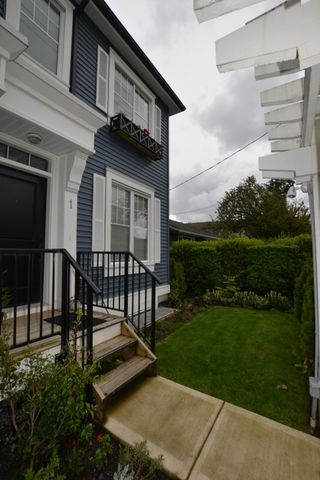 """Photo 2: 1 2850 MCCALLUM Road in Abbotsford: Central Abbotsford Townhouse for sale in """"URBAN HILLSIDE"""" : MLS®# R2168900"""