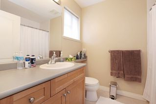 "Photo 15: 9 2688 MOUNTAIN Highway in North Vancouver: Westlynn Townhouse for sale in ""Craftsman Estates"" : MLS®# R2170242"