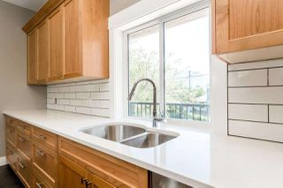 "Photo 10: 1219 WILSON Crescent in Squamish: Dentville House for sale in ""DOWNTOWN/DENTVILLE"" : MLS®# R2180422"