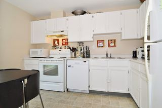Photo 2: 26 3190 TAHSIS Avenue in Coquitlam: New Horizons Townhouse for sale : MLS®# R2187179