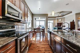 Photo 8: 68 CRESTRIDGE Way SW in Calgary: Crestmont House for sale : MLS®# C4128621
