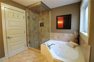 Photo 35: 2504 17A Street NW in Calgary: Capitol Hill House for sale : MLS®# C4130997