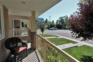 Photo 3: 2504 17A Street NW in Calgary: Capitol Hill House for sale : MLS®# C4130997