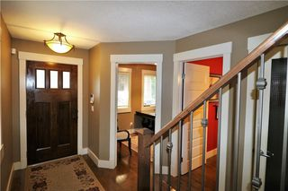 Photo 5: 2504 17A Street NW in Calgary: Capitol Hill House for sale : MLS®# C4130997