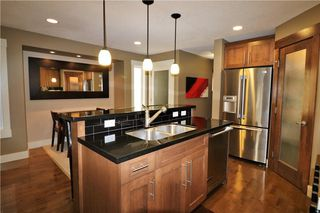 Photo 12: 2504 17A Street NW in Calgary: Capitol Hill House for sale : MLS®# C4130997