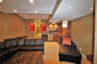 Photo 43: 2504 17A Street NW in Calgary: Capitol Hill House for sale : MLS®# C4130997