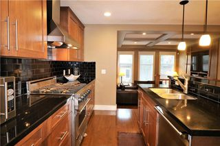 Photo 13: 2504 17A Street NW in Calgary: Capitol Hill House for sale : MLS®# C4130997