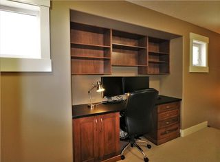 Photo 25: 2504 17A Street NW in Calgary: Capitol Hill House for sale : MLS®# C4130997
