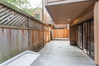 "Photo 15: 212 1435 NELSON Street in Vancouver: West End VW Condo for sale in ""Westport"" (Vancouver West)  : MLS®# R2195195"