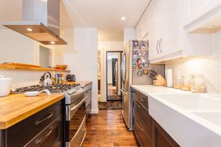 "Photo 3: 212 1435 NELSON Street in Vancouver: West End VW Condo for sale in ""Westport"" (Vancouver West)  : MLS®# R2195195"