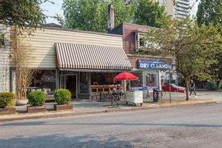 "Photo 18: 212 1435 NELSON Street in Vancouver: West End VW Condo for sale in ""Westport"" (Vancouver West)  : MLS®# R2195195"