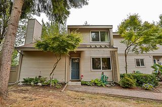 Photo 1: 6166 W GREENSIDE DRIVE in Surrey: Cloverdale BC Townhouse for sale (Cloverdale)  : MLS®# R2193459