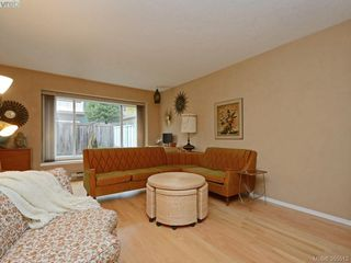 Photo 3: 13 515 Mount View Avenue in VICTORIA: Co Hatley Park Townhouse for sale (Colwood)  : MLS®# 385513
