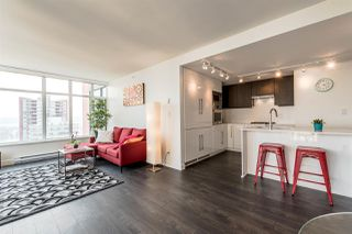 Photo 5: 802 188 AGNES Street in New Westminster: Downtown NW Condo for sale : MLS®# R2237846