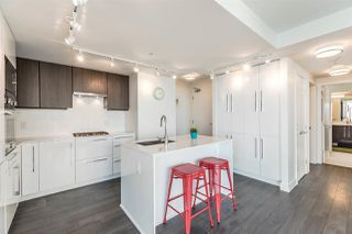 Photo 6: 802 188 AGNES Street in New Westminster: Downtown NW Condo for sale : MLS®# R2237846
