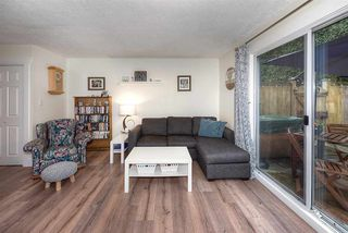 """Photo 10: 18 4949 57 Street in Delta: Hawthorne Townhouse for sale in """"OASIS"""" (Ladner)  : MLS®# R2238489"""