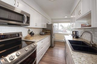 """Photo 4: 18 4949 57 Street in Delta: Hawthorne Townhouse for sale in """"OASIS"""" (Ladner)  : MLS®# R2238489"""