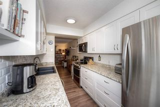 """Photo 3: 18 4949 57 Street in Delta: Hawthorne Townhouse for sale in """"OASIS"""" (Ladner)  : MLS®# R2238489"""