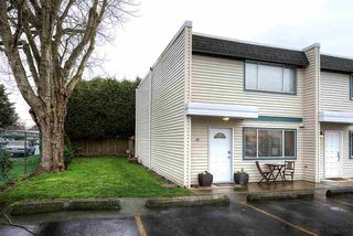 """Photo 2: 18 4949 57 Street in Delta: Hawthorne Townhouse for sale in """"OASIS"""" (Ladner)  : MLS®# R2238489"""