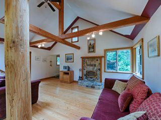 Photo 4: 415 WHALETOWN ROAD in CORTES ISLAND: Isl Cortes Island House for sale (Islands)  : MLS®# 783460