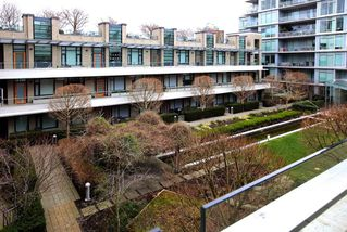 Photo 15: 510 77 WALTER HARDWICK AVENUE in Vancouver: False Creek Condo for sale (Vancouver West)  : MLS®# R2251871