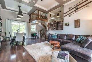 Photo 2: 1391 DEPOT Road in Squamish: Brackendale 1/2 Duplex for sale : MLS®# R2292878