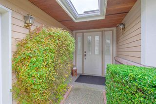 """Photo 2: 12 15137 24 Avenue in Surrey: Sunnyside Park Surrey Townhouse for sale in """"SEAGATE"""" (South Surrey White Rock)  : MLS®# R2318009"""
