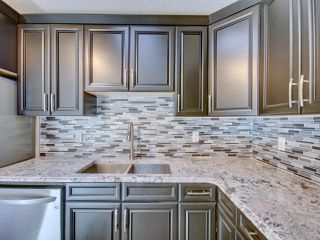 Photo 2: 8332 158 Avenue in Edmonton: Zone 28 House for sale : MLS®# E4139030