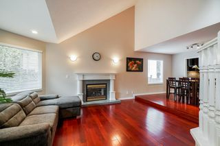 Photo 3: 3216 SYLVIA Place in Coquitlam: Westwood Plateau House for sale : MLS®# R2336455