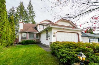 Photo 1: 3216 SYLVIA Place in Coquitlam: Westwood Plateau House for sale : MLS®# R2336455