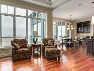 Photo 3: 14 Ranche Drive: Heritage Pointe Detached for sale : MLS®# C4224538