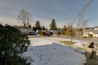 Photo 3: 23158 124A Avenue in Maple Ridge: East Central House for sale : MLS®# R2342852