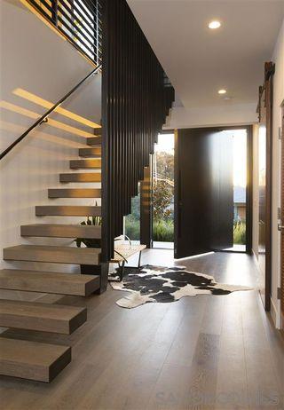 Photo 2: LA JOLLA House for sale : 4 bedrooms : 9455 Poole St