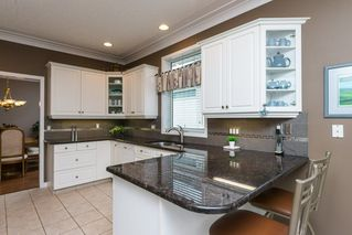 Photo 8: 17 BUTTERWORTH Point in Edmonton: Zone 14 House Half Duplex for sale : MLS®# E4149840