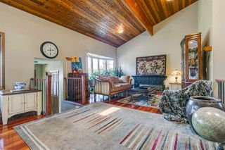 Photo 2: 9823 161 Avenue in Edmonton: Zone 27 House for sale : MLS®# E4150297