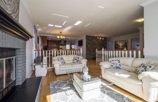 Photo 5: 10712 BEARSPAW Drive E in Edmonton: Zone 16 House for sale : MLS®# E4151355