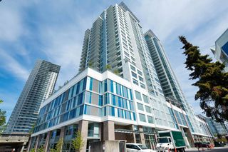 """Photo 1: 2106 988 QUAYSIDE Drive in New Westminster: Quay Condo for sale in """"Riversky2 by Bosa"""" : MLS®# R2367923"""