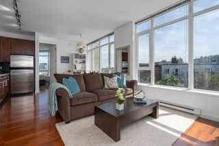 "Photo 1: 413 2055 YUKON Street in Vancouver: False Creek Condo for sale in ""THE MONTREUX"" (Vancouver West)  : MLS®# R2371441"