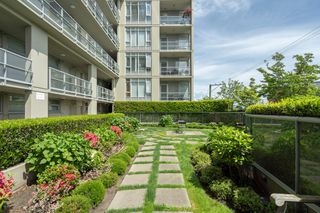 "Photo 19: 413 2055 YUKON Street in Vancouver: False Creek Condo for sale in ""THE MONTREUX"" (Vancouver West)  : MLS®# R2371441"