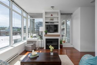 "Photo 3: 413 2055 YUKON Street in Vancouver: False Creek Condo for sale in ""THE MONTREUX"" (Vancouver West)  : MLS®# R2371441"