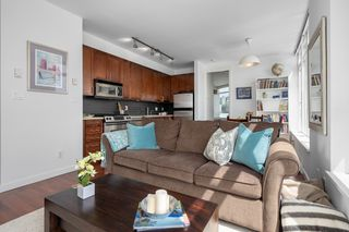 "Photo 4: 413 2055 YUKON Street in Vancouver: False Creek Condo for sale in ""THE MONTREUX"" (Vancouver West)  : MLS®# R2371441"