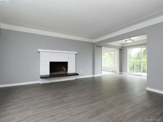 Photo 2: 4094 Atlas Place in VICTORIA: SW Glanford Single Family Detached for sale (Saanich West)  : MLS®# 413047