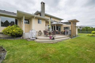 Photo 2: 45323 LENORA Crescent in Chilliwack: Chilliwack W Young-Well House for sale : MLS®# R2385943