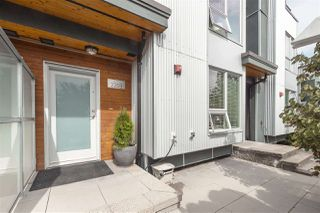 """Photo 18: 2203 SOUTHSIDE Drive in Vancouver: South Marine Townhouse for sale in """"ANCHOR MILLS"""" (Vancouver East)  : MLS®# R2399109"""