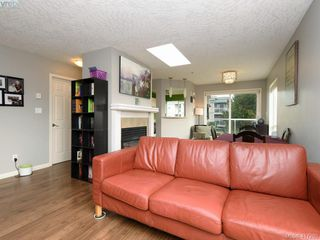Photo 3: 411 649 Bay St in VICTORIA: Vi Downtown Condo for sale (Victoria)  : MLS®# 827828