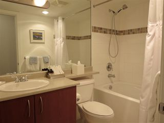 """Photo 14: 502 235 GUILDFORD Way in Port Moody: North Shore Pt Moody Condo for sale in """"THE SINCLAIR"""" : MLS®# R2427360"""