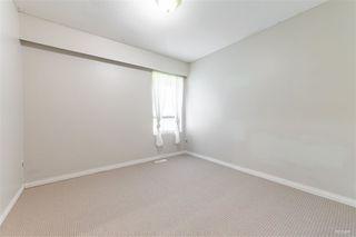 Photo 7: 14218 18A Avenue in Surrey: Sunnyside Park Surrey House for sale (South Surrey White Rock)  : MLS®# R2430110