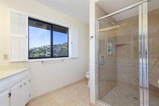 Photo 11: MOUNT HELIX House for sale : 5 bedrooms : 9833 Edgar Pl in La Mesa